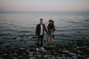 Intimate lakeside susnet couple shoot by Daring Wanderer // www.daringwanderer.com