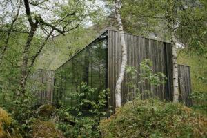 Visiting Juvet Landscape Hotel in Norway // www.daringwanderer.com