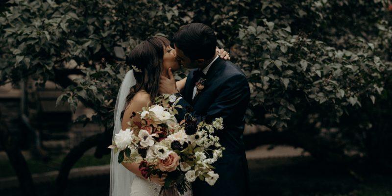 Intimate Knox College U of T wedding portraits