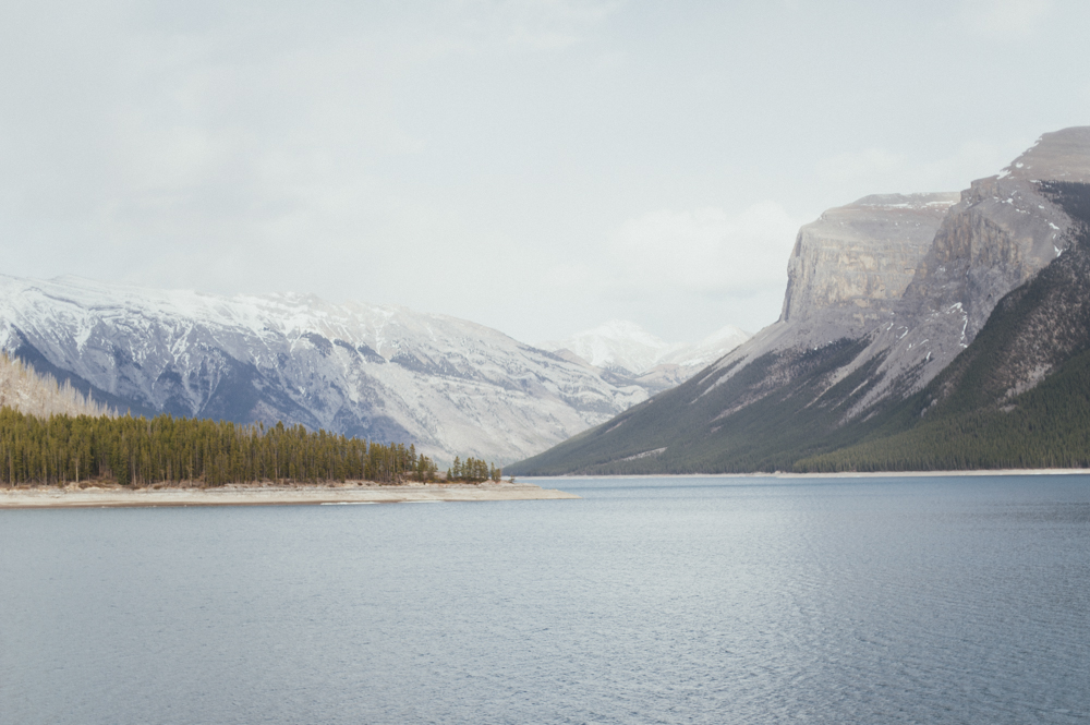 Lake Minnewanka mountains