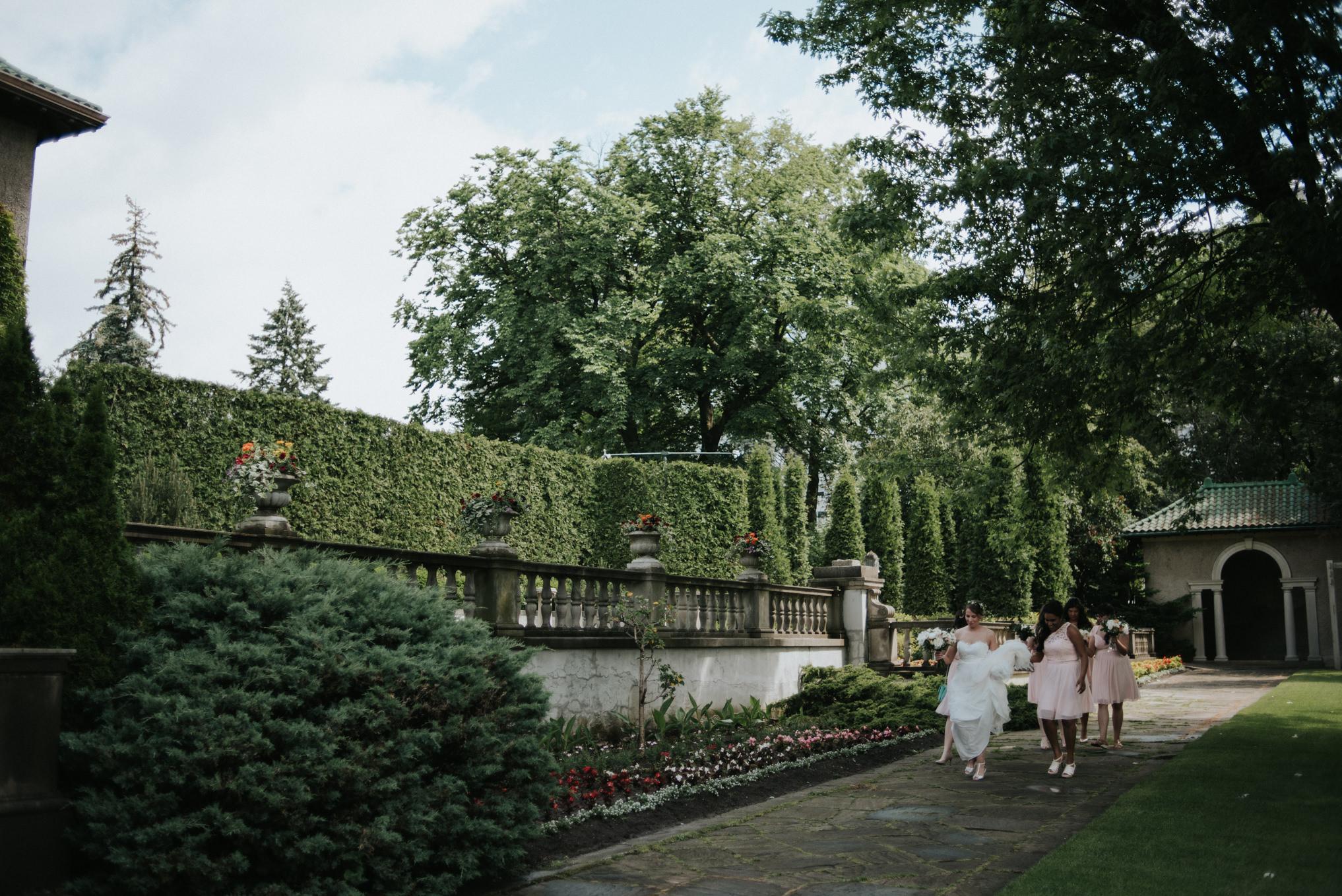 Handmade botanical garden Parkwood Estate Wedding // Daring Wanderer: www.daringwanderer.com