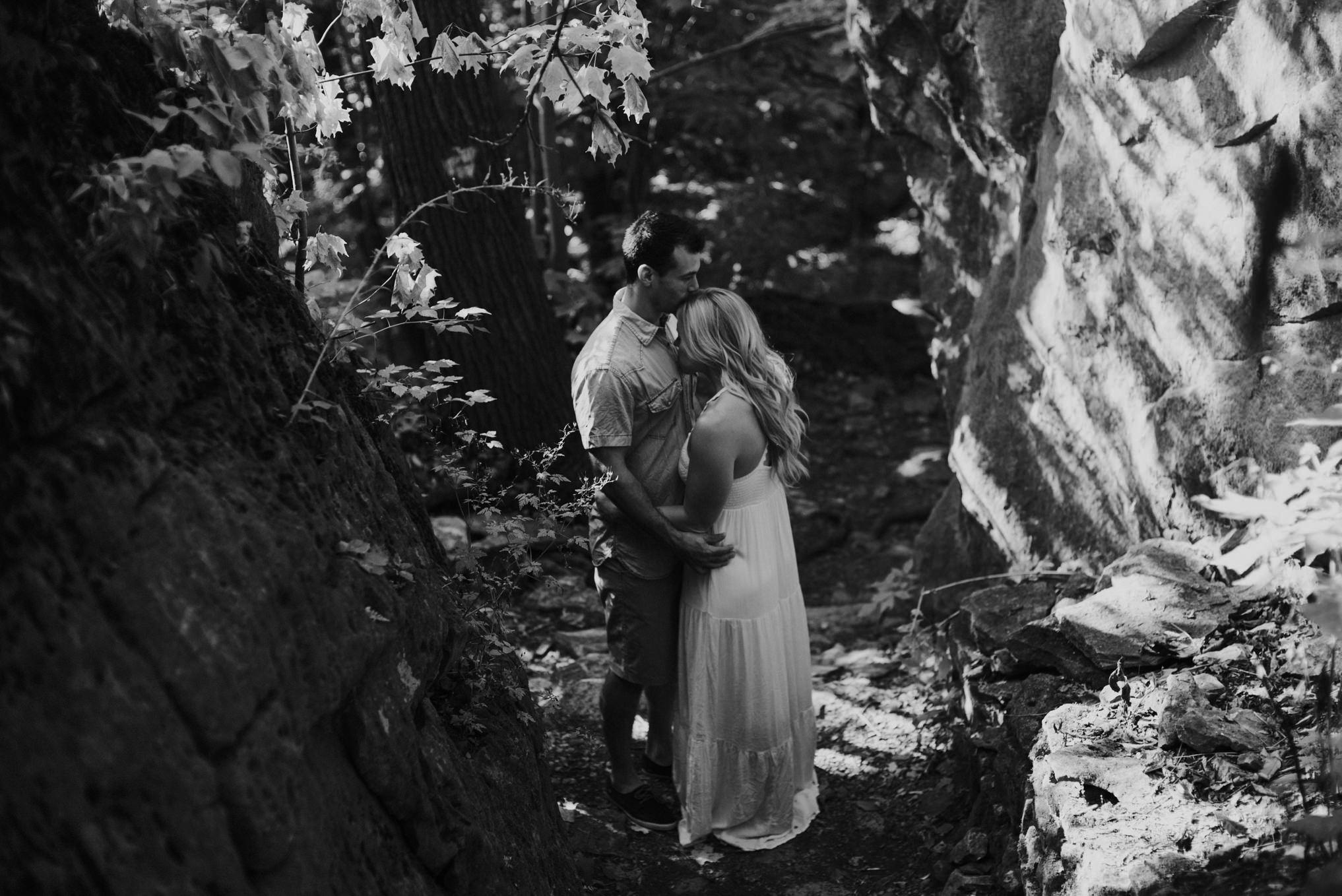Dreamy Niagara Gorge Engagement // Daring Wanderer: www.daringwanderer.com