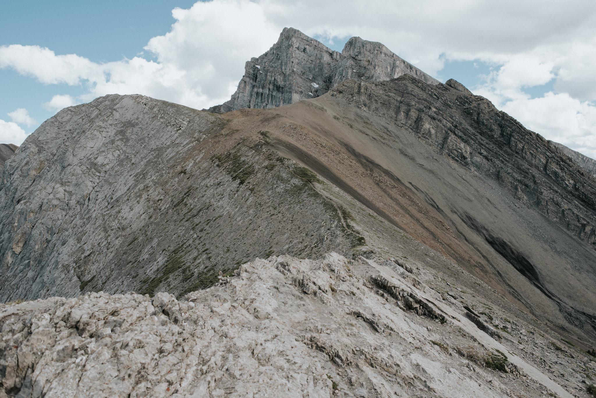 Hiking Ha Ling Peak in Canmore // Daring Wanderer: www.daringwanderer.com