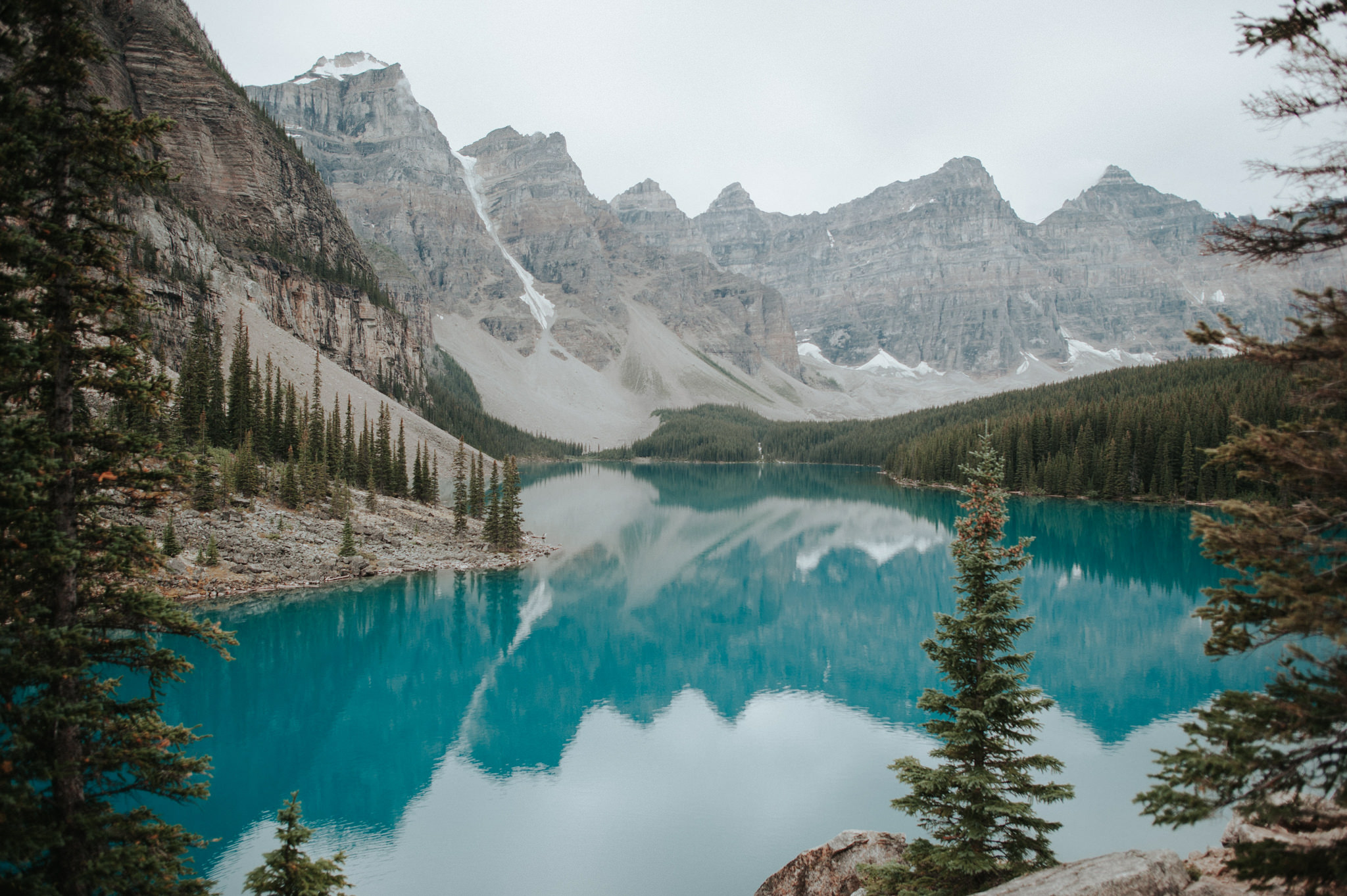Moraine Lake in Banff National Park // Daring Wanderer: www.daringwanderer.com