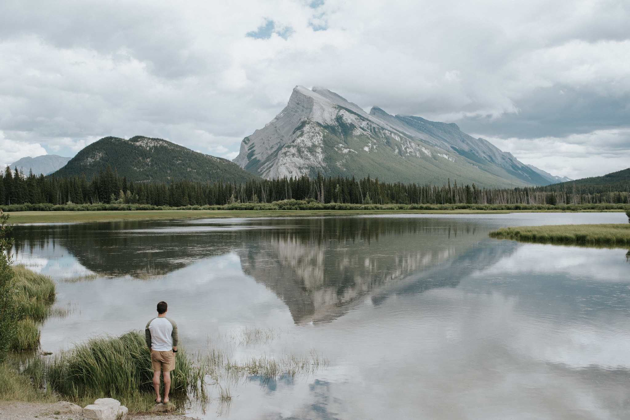 Vermillion Lakes and Mount Rundle in Banff // Daring Wanderer: www.daringwanderer.com