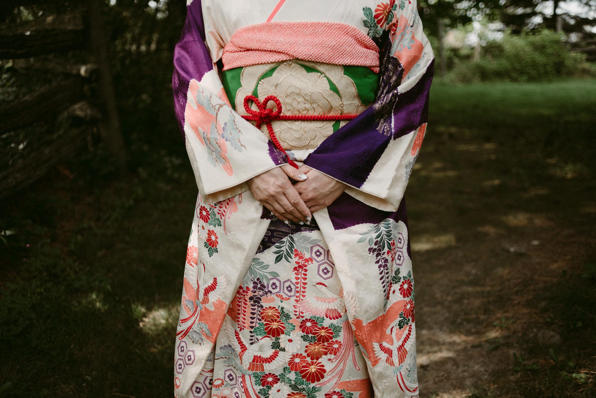 Kimono details and hands
