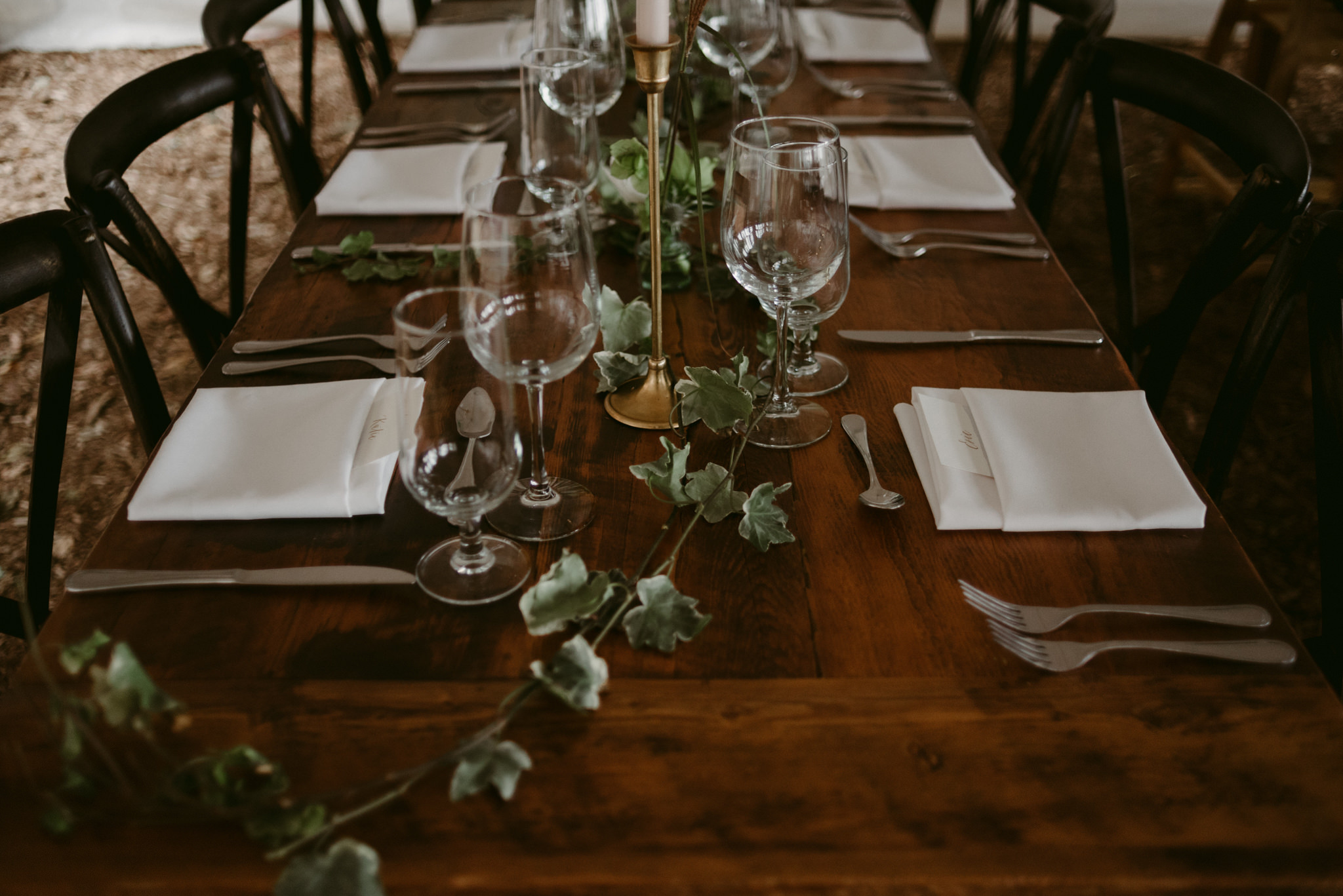 vines on table for wedding reception