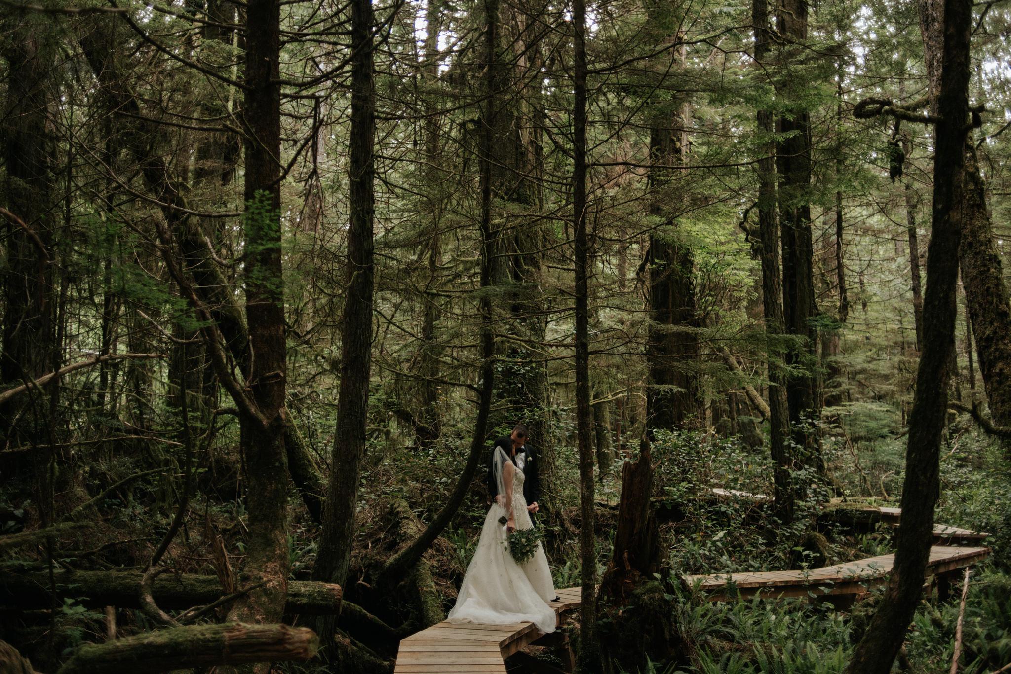 Vancouver Island elopement portraits