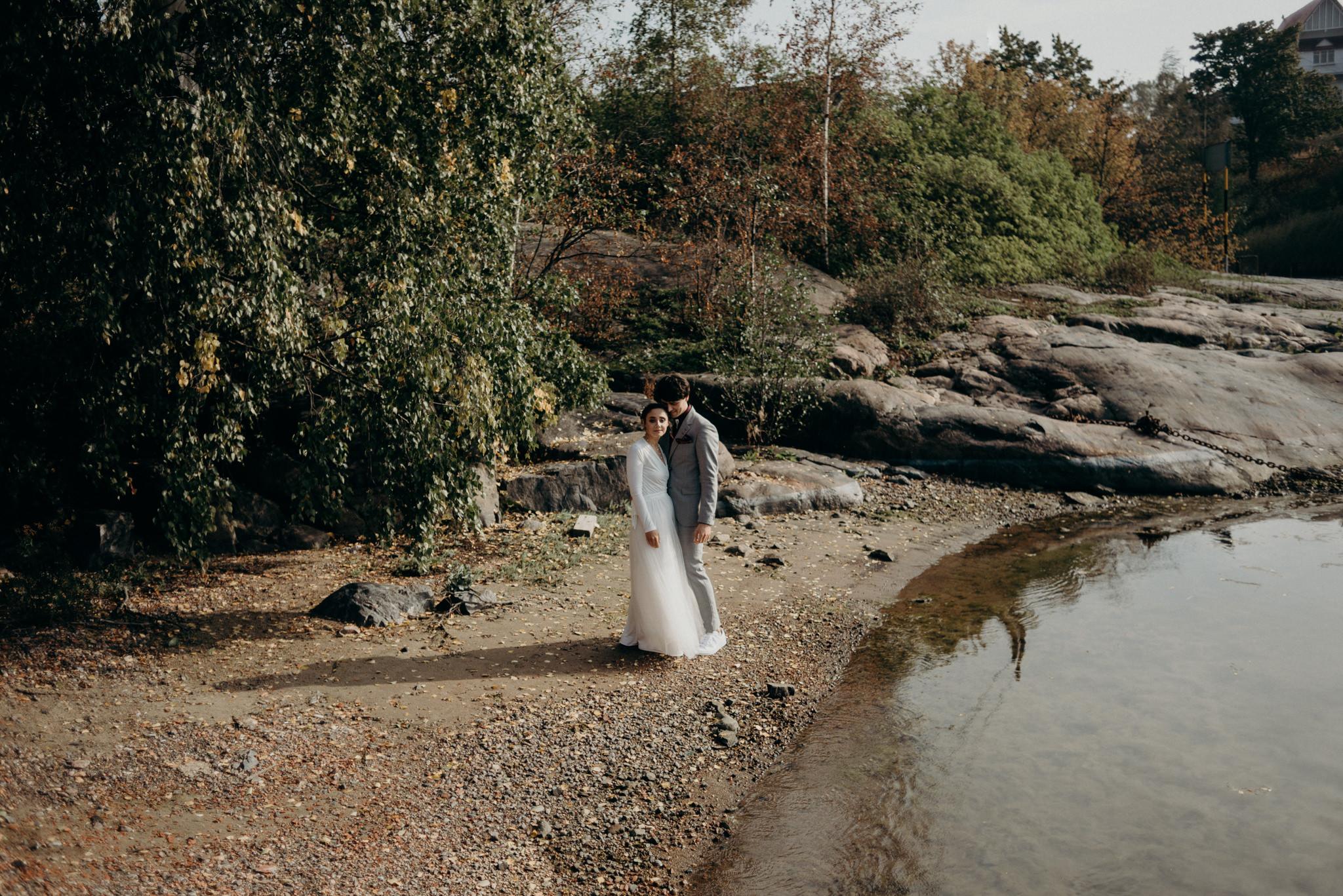 Valkosaaren Telakka wedding portraits