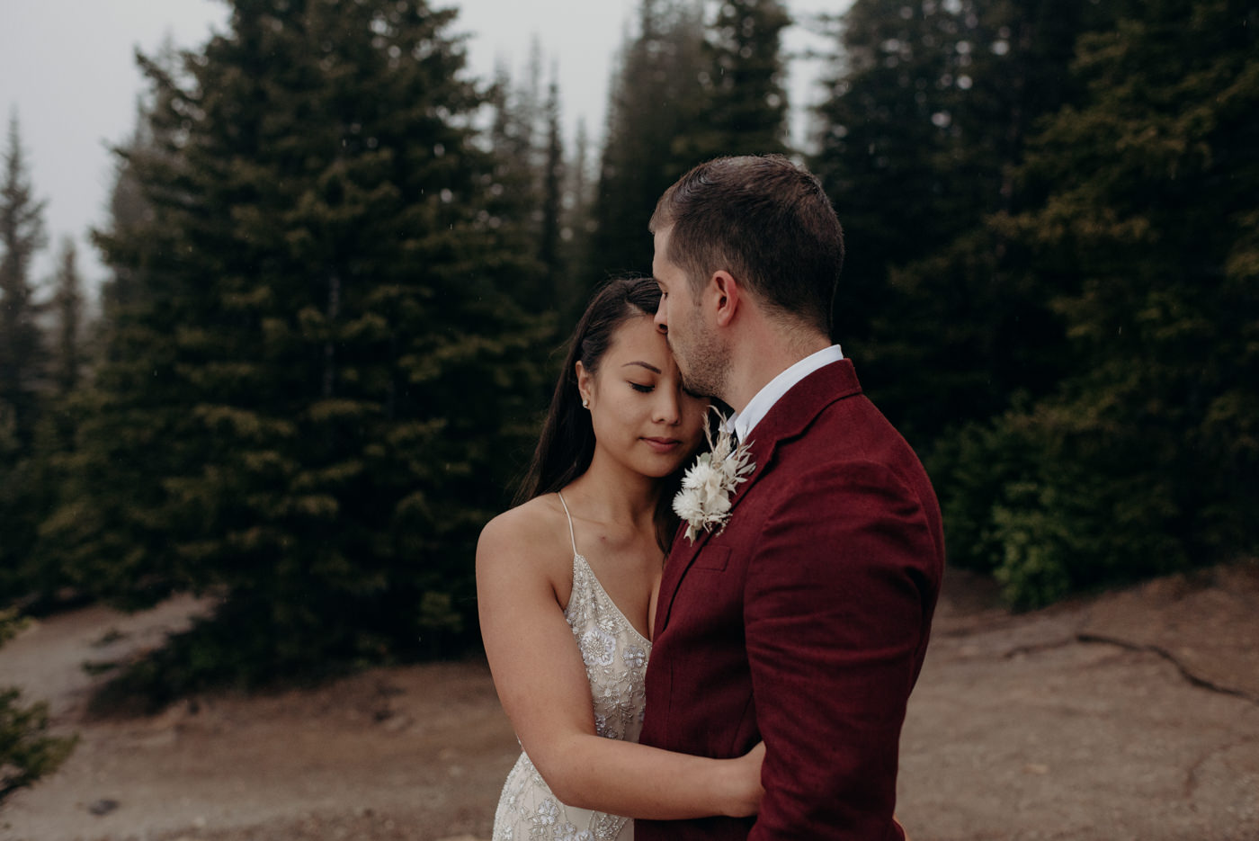 Beautiful Banff National Park elopement at Peyto Lake