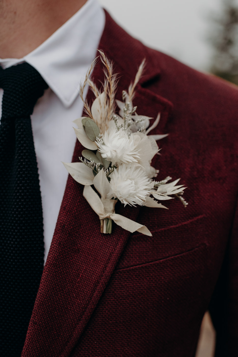 dried flower boutonniere