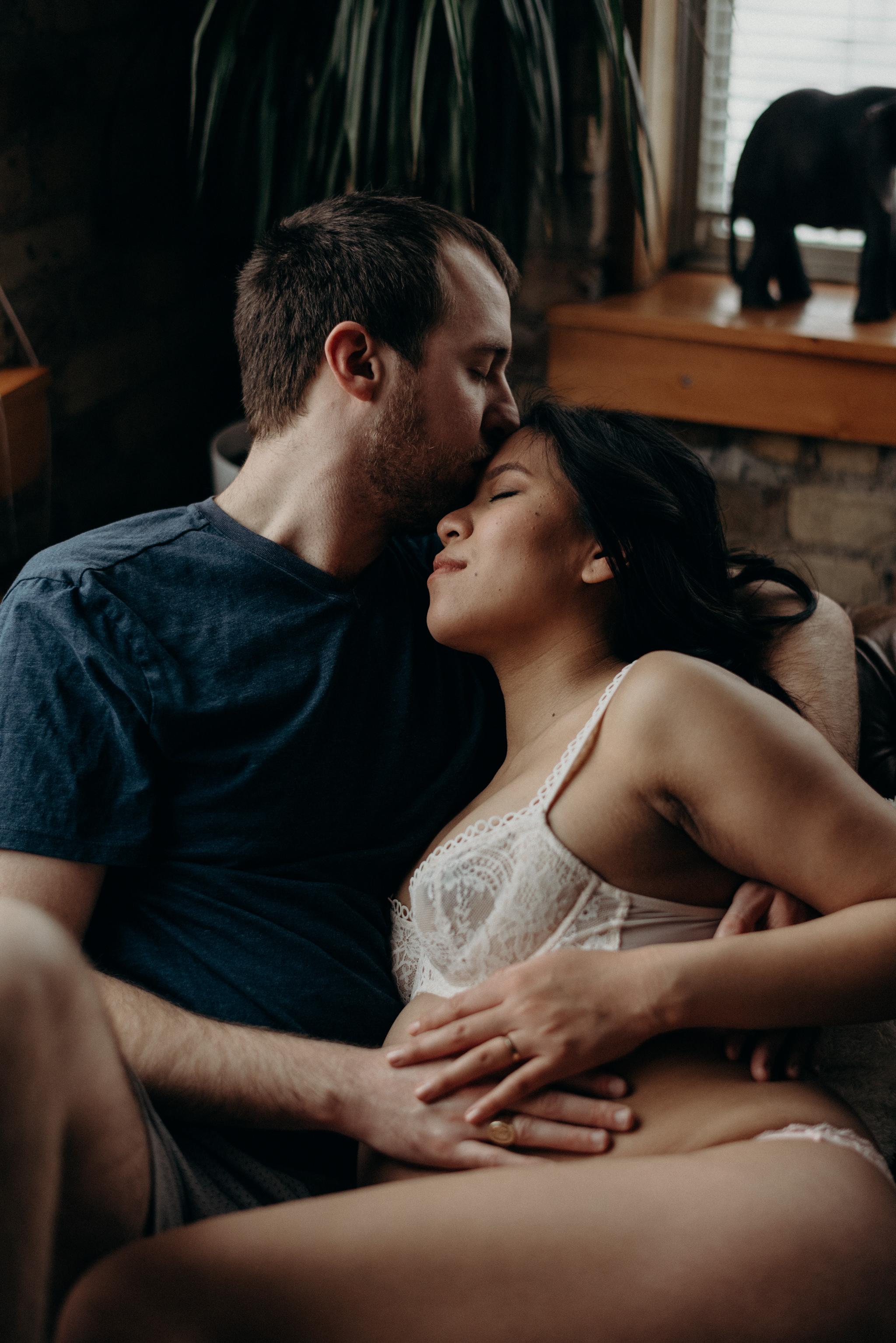 couple portraits maternity shoot