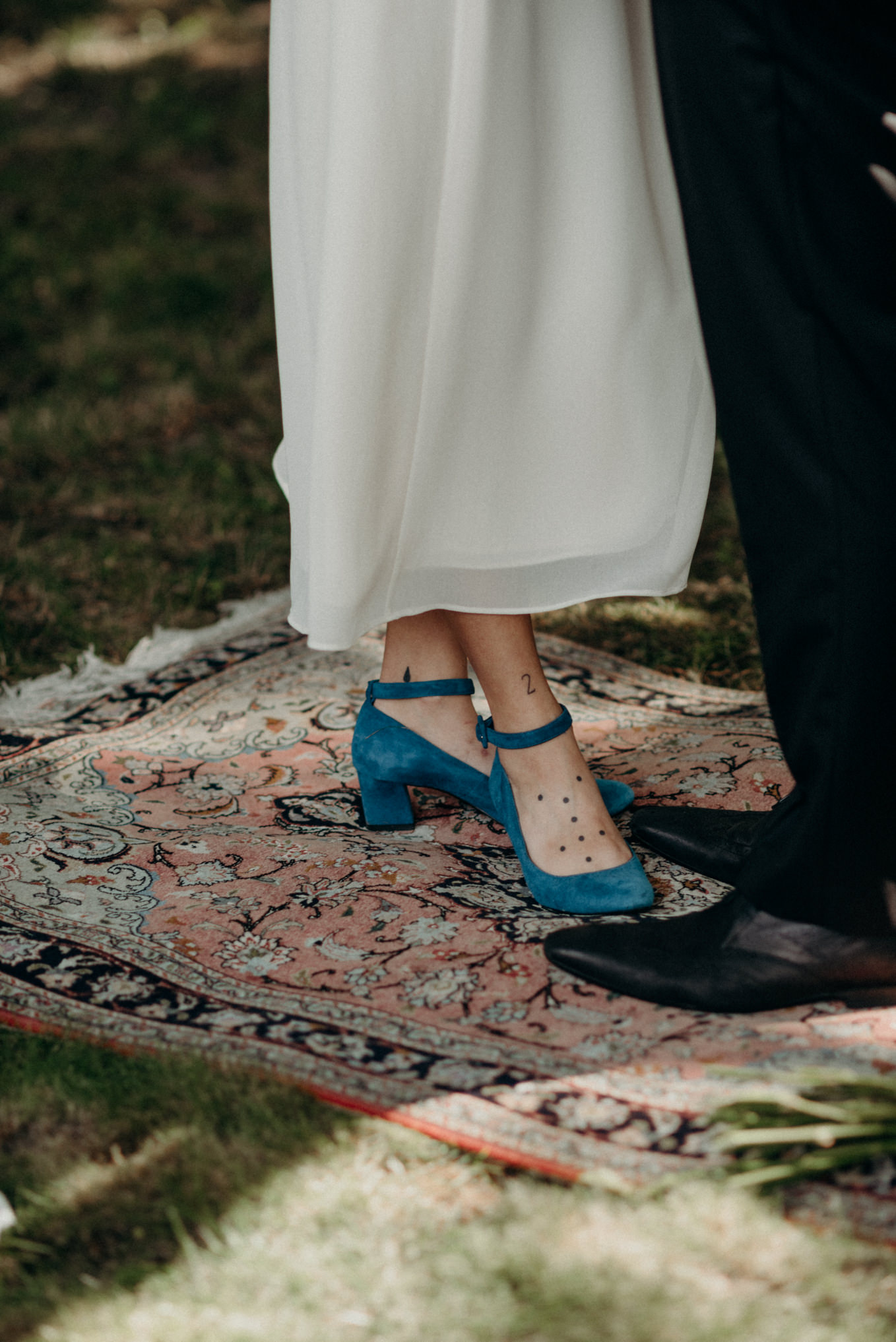 vintage velvet blue wedding shoes