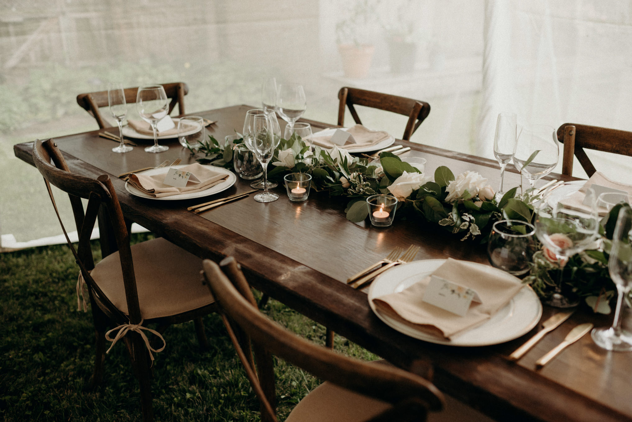 backyard wedding table setting