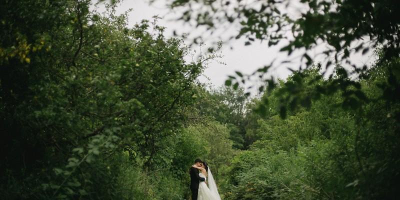 Romantic Toronto wedding by Daring Wanderer