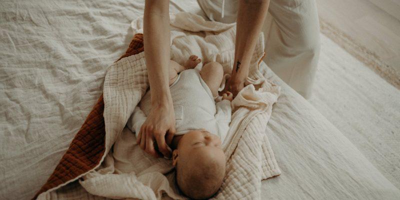 At home newborn portraits in Toronto